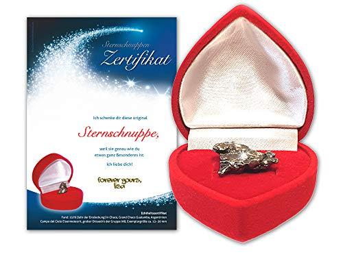 Echte Sternschnuppe in roter Herzbox - inkl. personalisierbarem Sternschnuppenzertifikat mit romantischer Widmung | als Geburtstagsgeschenk, zum Jahrestag oder Valentinstag Geschenk