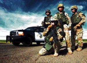 Trainiere in einer SWAT Einheit