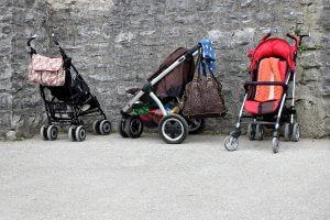 verschiedene Kinderwagen