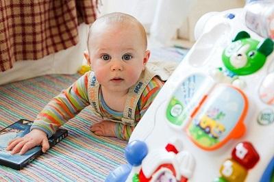 Tipps zur Auswahl von Spielzeug für Kleinkinder